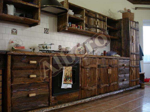 Кухонный гарнитур из массива дерева. Артикул: веб-00001