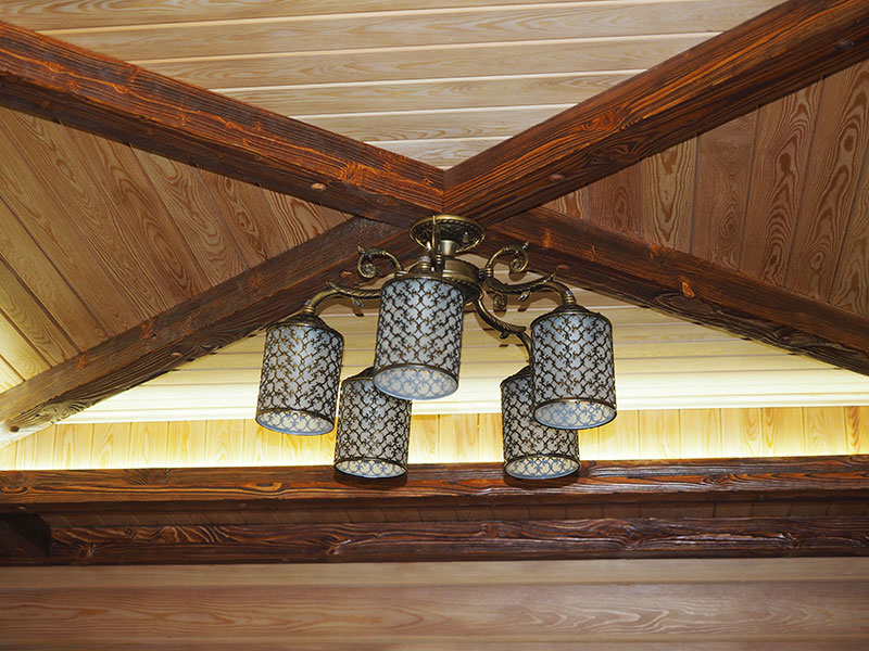 Декоративная балка на потолок своими руками из дерева 16